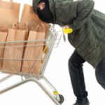 У Рівному затримали зловмисника із краденими продуктами