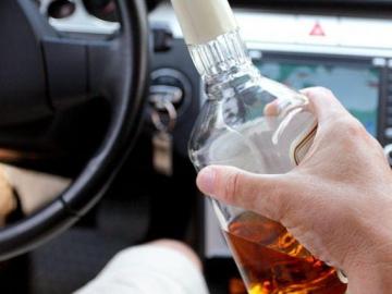 Під час несення служби на виборах у Рівненському районі поліцейська викрила водія напідпитку