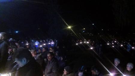 На колінах зі свічками у руках… Дубенщина прощалась з Сергієм Кочетовим