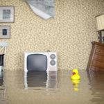 У Рівному затопило будинок. Вода текла навіть із розеток.