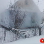 На Рівненщині під час пожежі загинув господар будинку, а його сина забрала швидка допомога