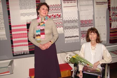 У Рівному в музеї відкрилася виставка рушників, які вишиті старовинними техніками