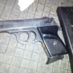 Поліцейські вилучили зброю та боєприпаси в автомобілі рівнянина
