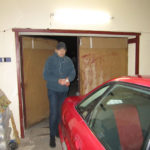 У Рівненському районі господарі застали злодія на «гарячому» і зачинили у гаражі