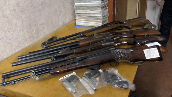 Жителі Рівненщини здали до поліції 63 одиниці зброї
