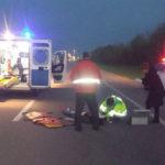 На Рівненщині жінка вибігла на дорогу та потрапила під колеса автомобіля