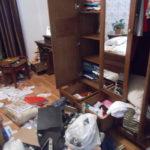 На Рівненщині невідомі вдерлися до будинку, зв'язали жінку з доньками та вимагали гроші