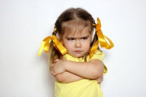 Демонстративна істерика у дітей: як реагувати батькам?