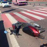 """Чоловіка збив """"МАЗ"""", колі він перетинав дорогу по пішохідному переходу, тримаючи у руках скутер"""