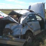 Mercedes злетів в кювет та кілька разів перевернувся.