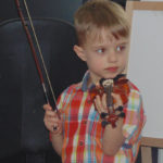 5-річний рівнянин майже не розмовляє, але грає на скрипці
