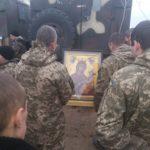 Чудотворну ікону повезли на Схід України