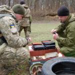 Військові правоохоронці Рівненщини підтримують навики володіння штатною зброєю в різних умовах місцевості
