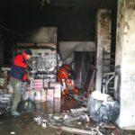 На Рівненщині рятувальники ліквідували пожежу у магазині будівельних товарів