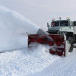 Рівненські рятувальники на спецтехніці продовжують допомагати громадянам ліквідовувати наслідки негоди