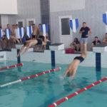 У Березному поліцейські змагалися за першість у плаванні