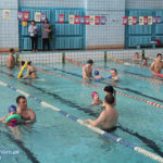 Добра справа заради дітей: рівненські поліцейські долучилися до особливих занять із плавання
