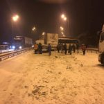 За кілька годин вилучили зі снігових заметів та кюветів більше 20 одиниць транспортних засобів