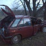 У Рівному автівка в'їхала у дерево