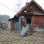 На Рівненщині поліцейський врятував чоловіка, який ледь не згорів у власному домі