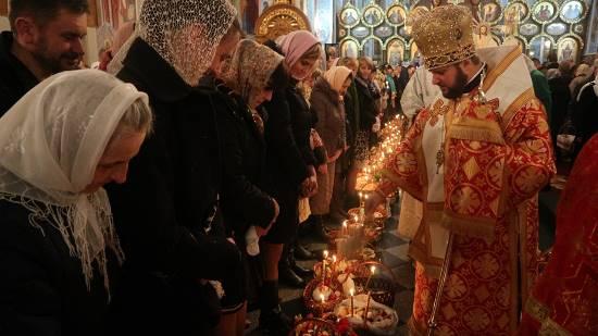 У Рівному в день Світлого Христового Воскресіння відбулися урочисті святкові богослужіння