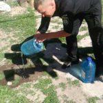 У жителів Рівненщини поліцейські виявили 255 літрів самогону та понад 700 — закваски