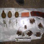 На Рівненщині поліцейські виїхали на сімейну сварку, а виявили арсенал боєприпасів
