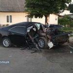 У Рівненщині автомобіль в'їхав у дерево: пасажир загинув, водій — у реанімації
