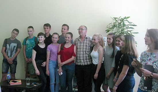 У Рівному відбулася зустріч з відомим письменником Олександром Ірванцем