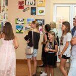 У Рівному презентували мистецькі доробки учасників студії «Чаювання з музою»