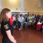 У День знань поліцейські розповіли дітям про правила безпеки