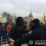 Правоохоронці виявили двох осіб із атрибутикою поліцейських під час забезпечення правопорядку на автодорозі «Київ-Чоп»