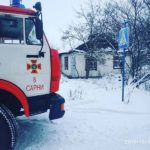 У Сарнах під час ліквідації пожежі врятували жінку