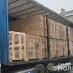 На Рівненщині поліцейські вилучили понад 20 кубів лісопродукції, яку перевозили без документів