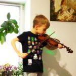 Маленький рівненський скрипаль потребує допомоги небайдужих людей