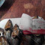 """Зіпсована риба та переклеєна етикетка: рівненські супермаркети продовжують """"дивувати"""""""