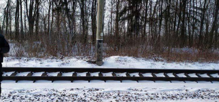 Чоловіка, який травмувався у Рівному на залізниці, впізнала сестра