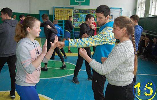 На Гощанщині діти взяли участь у «Розминці від чемпіона»