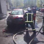 Дубровицькі рятувальники врятували від знищення вогнем легковий автомобіль