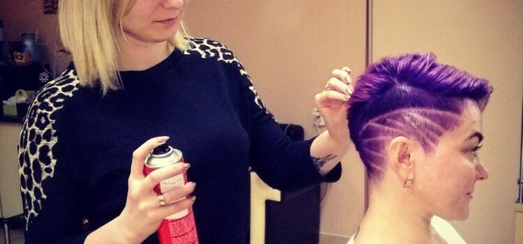 Рівненська перукарка розповіла, як зупинити випадіння волосся