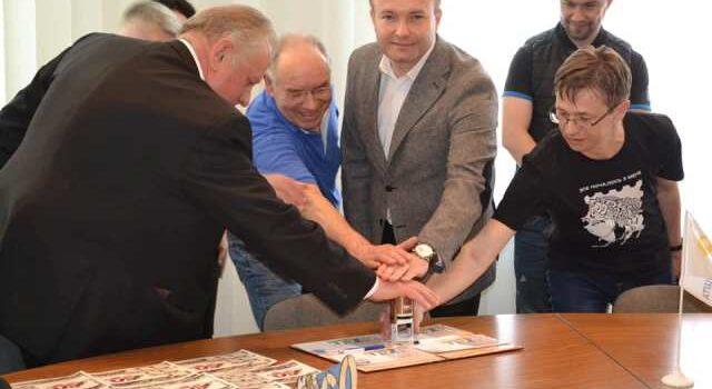 Пам'ятний набір випустило Рівненське відділення Укрпошти до ювілею мотоспорту