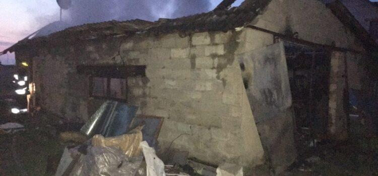 У Сарнах в гаражі виявили тіла двох людей