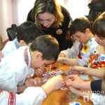 Єднаємо барви України: як діти з поліцейськими малювали Рівненщину