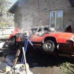 В Рівному вогнеборці ліквідували пожежу у легковому автомобілі