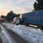 На Гощанщині через ДТП дорогу залило клеєм