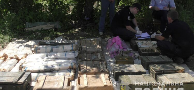 На Рівненщині поліцейські вилучили один із найбільших в Україні арсенал боєприпасів