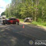 На Рівненщині зіткнулися три автомобілі: двох водіїв доставили до лікарні