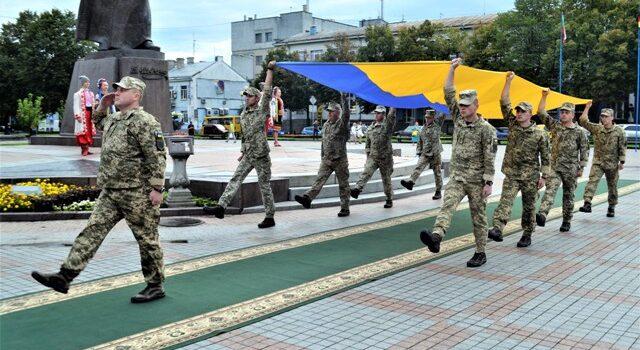 Державний Прапор замайорів на головному майдані Рівненщини