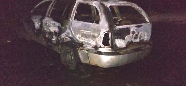 Поліцейські встановлюють осіб, причетних до підпалу авто у Костополі