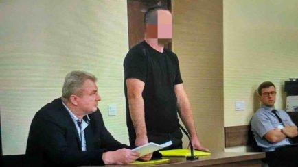 Чоловіку, якого підозрюють у вчиненні опору митнику, суд змінив запобіжний захід